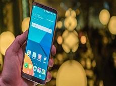 """Vừa lên kệ, LG G6 đã bán """"bay"""" 40.000 đơn hàng tại quê nhà"""