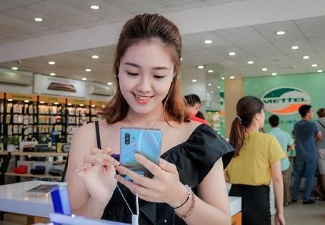 Tech Offline: Trên tay và trải nghiệm Galaxy Note 10 | Note 10+ cùng Viettel Store