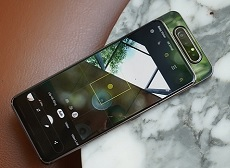 Tìm hiểu chi tiết cơ chế camera trượt xoay trên Galaxy A80