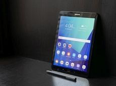 Galaxy Tab S3: Chiếc máy tính bảng hiếm hoi sử dụng mặt lưng bằng kính