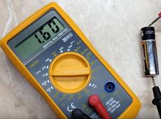 Cách kiểm tra dung lượng pin không cần máy đo, bạn có tin không?