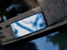 Oppo F3 Lite màu đen: Không phải nắng nhưng vẫn chói chang