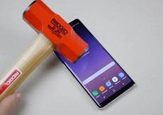 Tra trấn Galaxy Note 8 với búa: Màn sống sót ngoạn mục