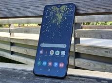 Trên tay Galaxy A20e: Đẹp như A20 nhưng giá rẻ hơn