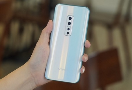 Trên tay nhanh Vivo V17 Pro – Smartphone nhiều camera nhất hiện nay
