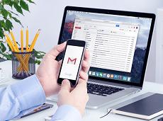 Ứng dụng Gmail trên iPhone hỗ trợ thêm tài khoản Outlook và Yahoo