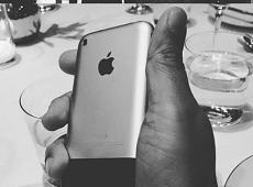 Đã từng có ý tưởng iPhone được trang bị thêm phím Back