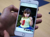 Sạc iPhone sai cách, cô phóng viên nói lời