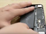 Hướng dẫn tự thay pin iPhone 7 trong 3 phút, phụ nữ cũng làm được